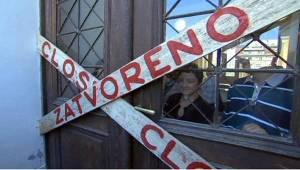 Protesta per la chiusura del Museo nazionale di Sarajevo